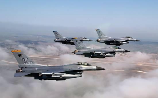 战斗机里面有空调吗?下雨天影响飞机降落吗、战斗机能不能飞?