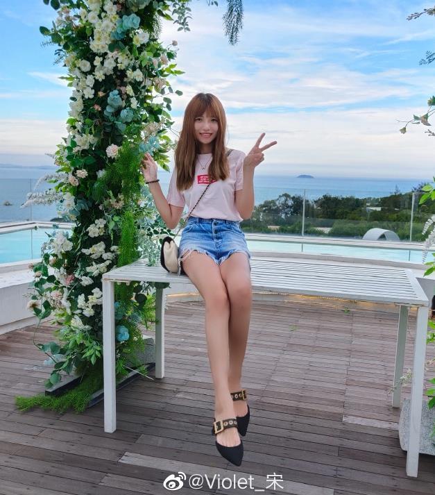 iqoo产品经理宋紫薇是什么大学毕业的,她为什么叫宋大腿