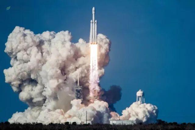 为什么美国商业私人公司都能发射运载量第一的重型火箭?且看分析!