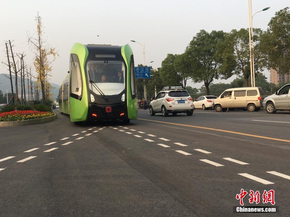 中国智轨列车运行图,智轨列车的原理介绍