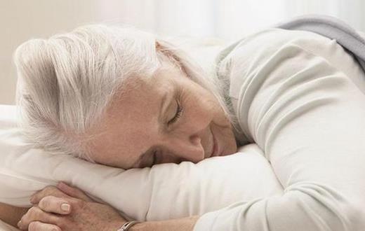 怎么防止老年斑(老年斑的预防护理)