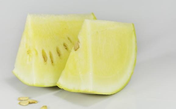 西瓜瓤(西瓜瓤有不止4种颜色)