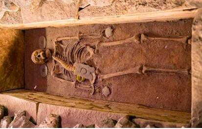 为什么要杀建造陵墓的工匠?原因是什么?